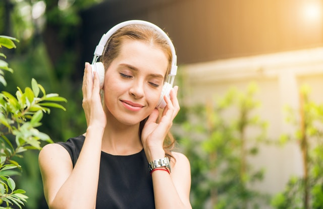 Improve your hearing with ear syringing
